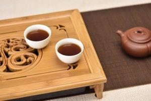 Две чашки и чайник