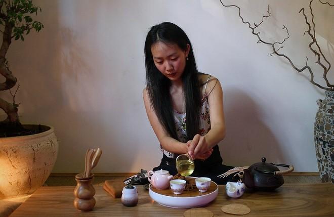 Чайная церемония с китаянкой