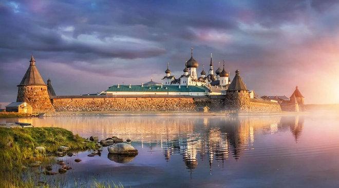 Согласно легенде, состав чая изобрели монахи-затворники Соловецкого монастыря в 15 веке