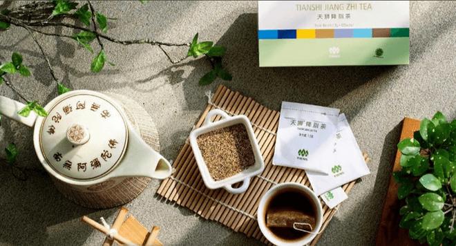 Упаковка пакетов чая