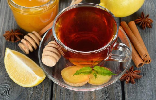 Пить имбирный чай лучше всего между приемами пищи