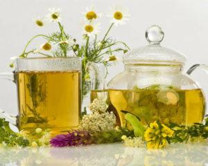 В состав противопаразитного напитка входят травы и корешки из мест с хорошей экологией
