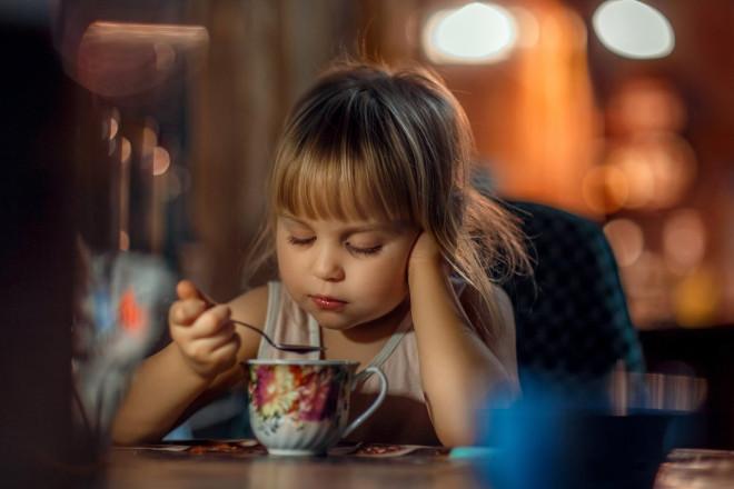 Давать имбирный чай детям разрешается, но только с определенного возраста – от двух лет