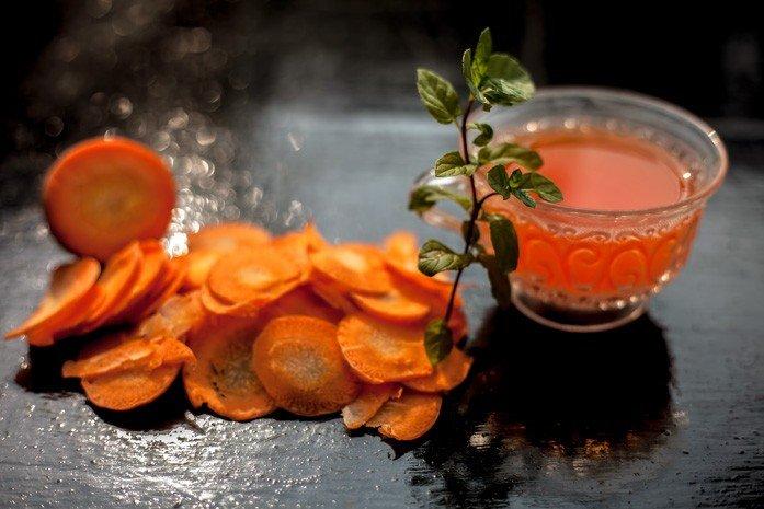 Вред и противопоказания морковного чая